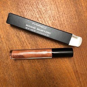 MAC - Dazzleglass lip gloss - Moth to Flame